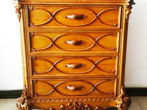 Arsip Klasik Chest of Drawer