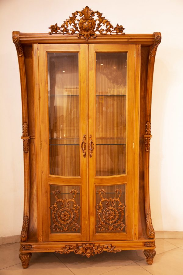Classic display cabinet
